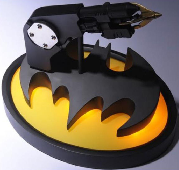 TOY10386 Batman Returns Cowl and Grappling Hook