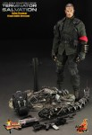 battle damaged john connor 9 103x150 Terminator Salvation: 1/6th scale John Connor collectible figure (Final Battle Version)