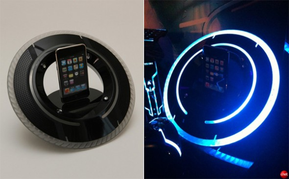 tron ipod dock 590x367 Tron Legacy iPod Dock