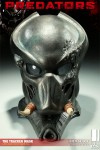 400046 press02 001 100x150 Predators   The Tracker Mask / Prop Replica