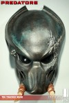 400046 press07 001 100x150 Predators   The Tracker Mask / Prop Replica