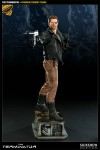 3000681 press01 001 100x150 The Terminator / Premium Format Figure