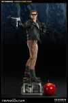 300068 press02 001 100x150 The Terminator / Premium Format Figure