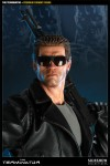 300068 press05 001 100x150 The Terminator / Premium Format Figure