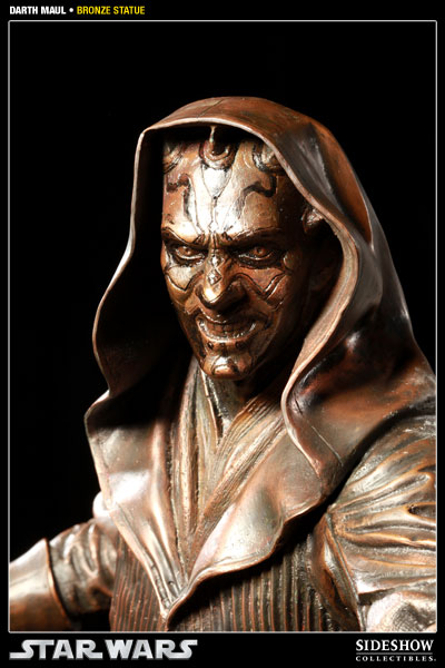 400025 press03 001 Darth Maul Bronze Statue