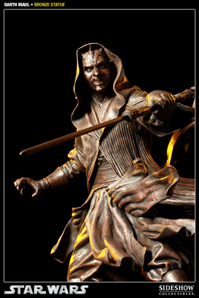 400025 press07 001 Darth Maul Bronze Statue