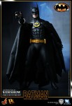 901391 press03 001 103x150 Batman (1989 Version) 12 inch Figure