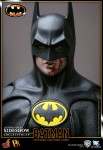 901391 press18 001 103x150 Batman (1989 Version) 12 inch Figure